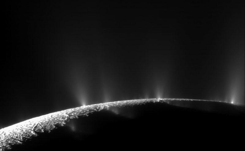 Enceladus-plumes-Cassini-Nov-24-2018-800x495.jpg