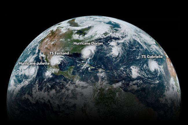(图片来源:NASA地球观测台/ Joshua Stevens / NOAA / NEDIS)