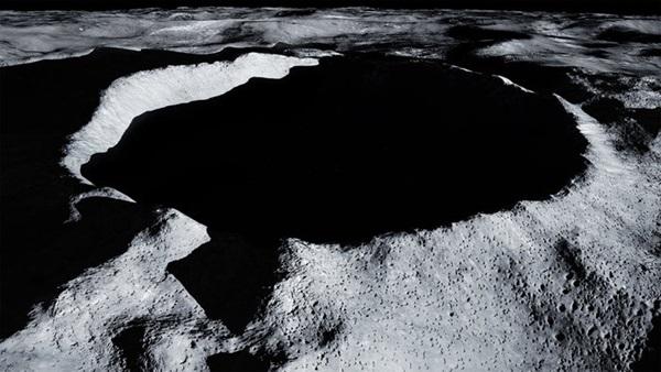 Shackleton_Crater.jpg