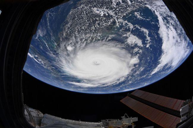 (图片来源:Christina Koch / NASA / Twitter)