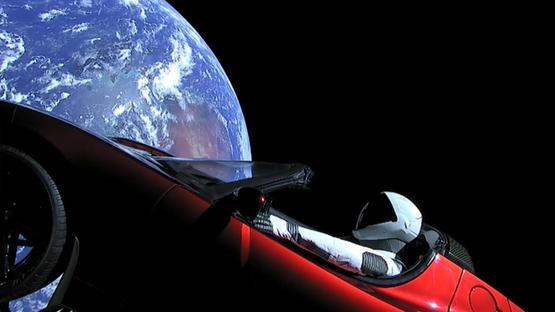 平地主义者认为伊隆·马斯克把特斯拉送上太空是骗局。图片来源:SPACEX