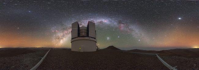 深空天线用于与太空任务进行通信。 (图片来源:Jim Longbottom / ESA)